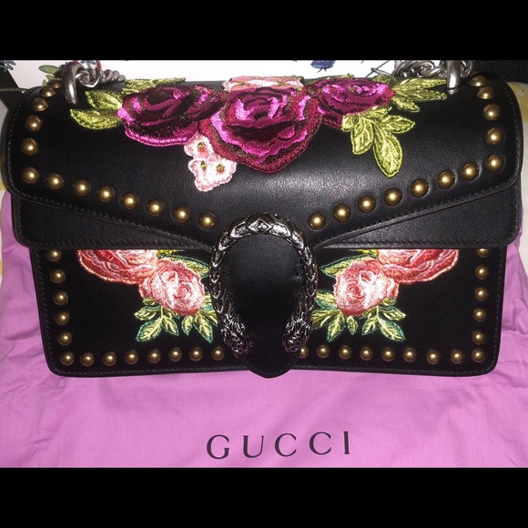 "77d7a849462 Gucci Embroidered Purse "" Blind For Love "". M 5ac8ca958290af167d43fe0b"
